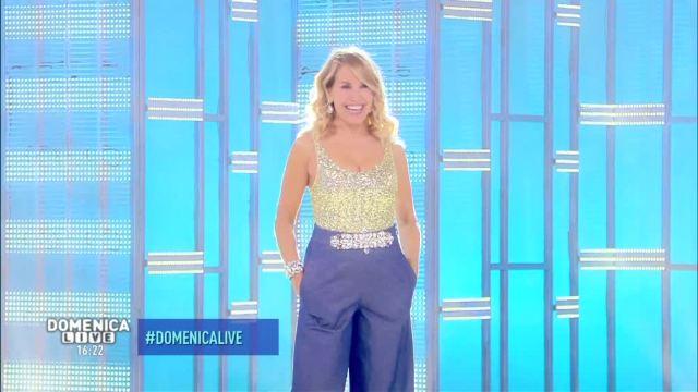 Ascolti Tv domenica 9 ottobre 2016. Barbara d'Urso travolge Pippo Baudo
