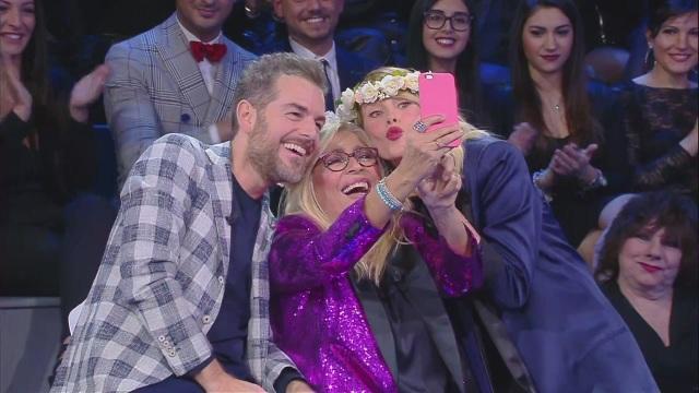 isola-selfie