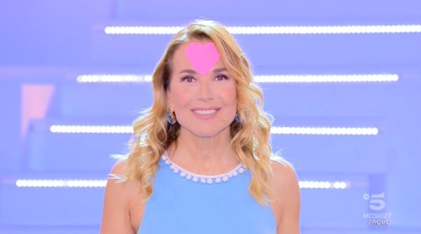 Barbara d'Urso ha ringraziato - a suo modo - per gli  ascolti del GF (4.766.000 spettatori, share 27.17%)